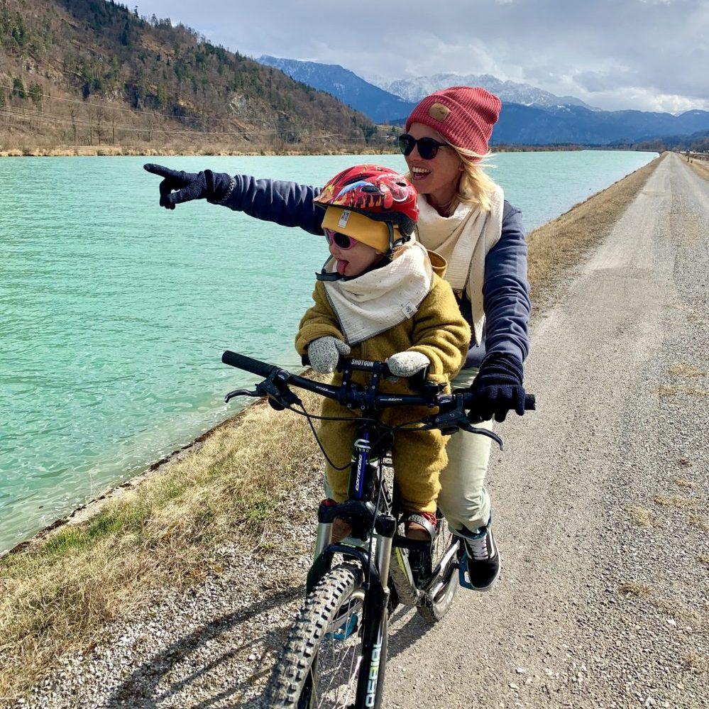 Mit Fahrrad und Kind in den Bergen. Hier kommt der Bike-Guide für alle radverrückten Eltern!
